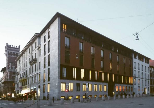 Casa Caccia Dominioni a Piazza Sant'Ambrogio a Milano - foto dell'utente Instagram ©paolociriz