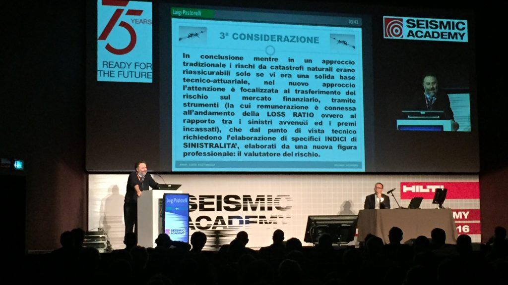 Il Prpf. Luigi Pastorelli durante la Seismic Academy 2016