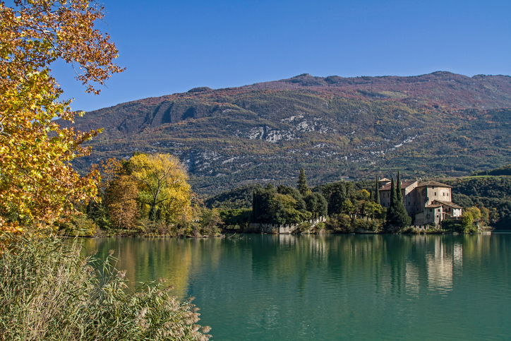 Il Lago di Toblino in Trentino, area naturale protetta