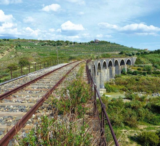 04_Viadotto sulla linea Paternï-Schettino-Regalbuto