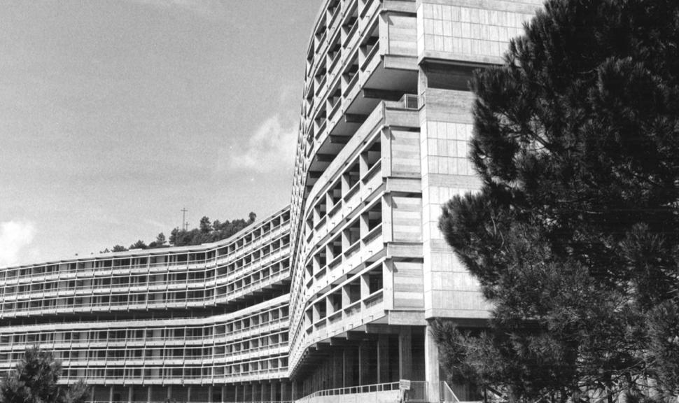 Edificio INA-Casa, Forte Quezzi , Genova, vista d'epoca del fronte sud (Foto Archivio Daneri, Genova)