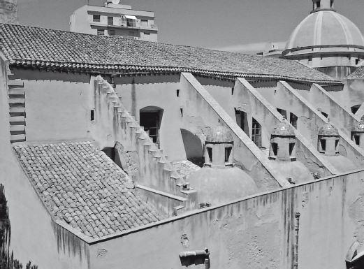 Trapani, chiesa di San Pietro, vista della copertura in coppi