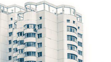 Abusi edilizi da trent'anni: il Tar si esprime sull'inerzia nella vigilanza