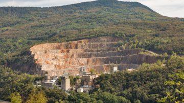 Il Rapporto Cave 2017 di Legambiente: calano i siti attivi, aumentano quelli dismessi