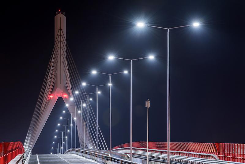 Vista_ponte_notte_illuminato