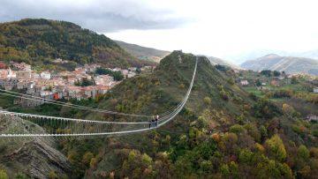 Inaugurato il Ponte alla Luna a Sasso di Castalda