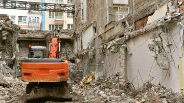 Violazioni sostanziali e violazioni formali: quando scatta la demolizione?