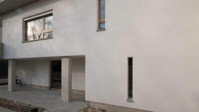 Recupero edilizio: un involucro in termointonaco in sughero e calce per Domus 2020