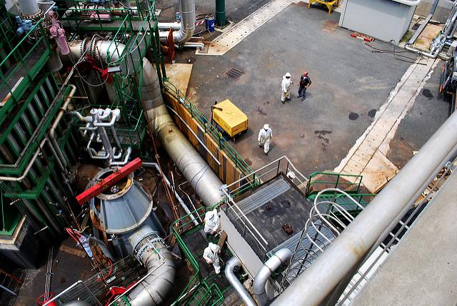 Dentro l'impianto a Lardarello © Malcolm Moore/Flickr.com