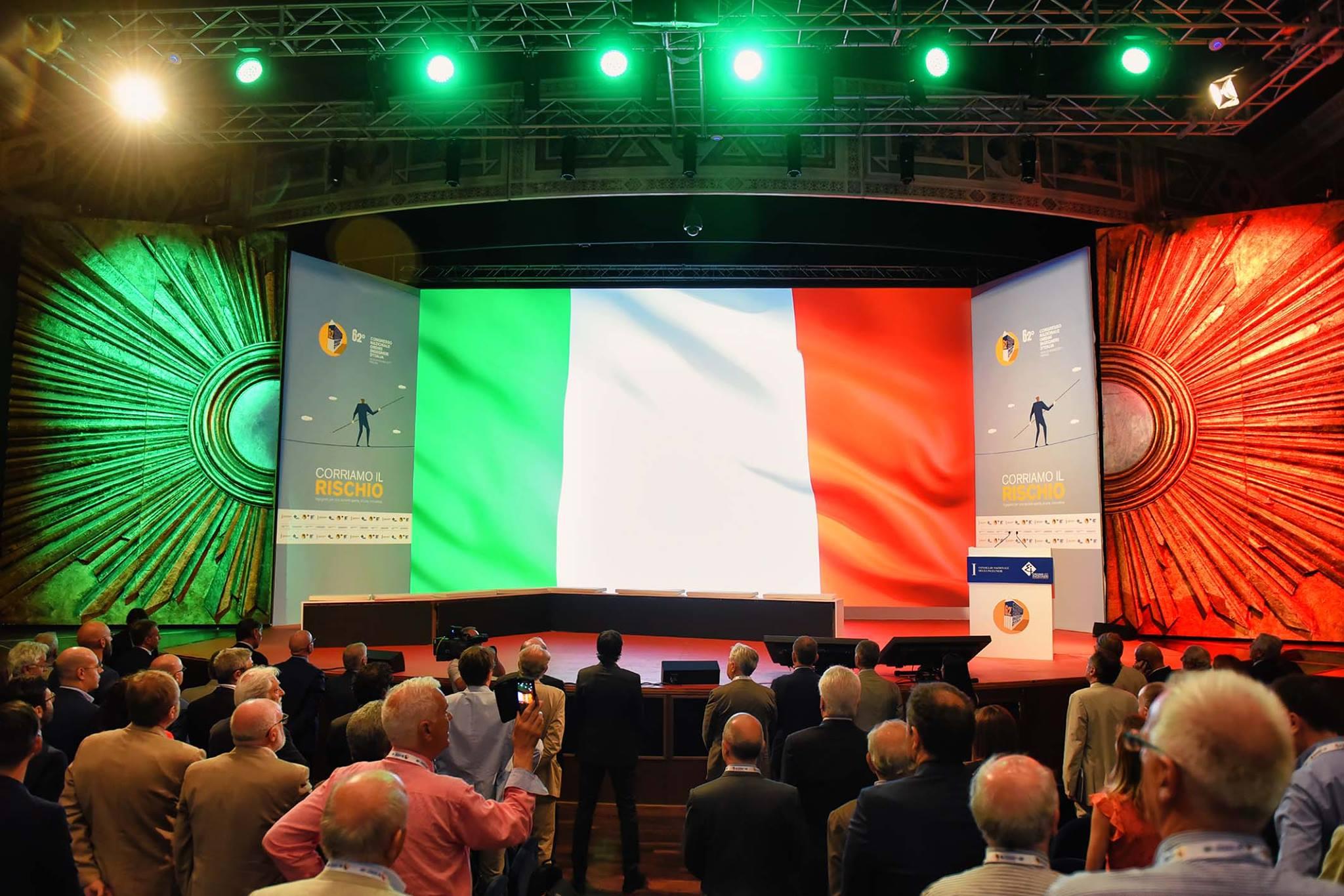 Il palco del Congresso nazionale ingegneri (C) FB Congresso nazionale ingegneri