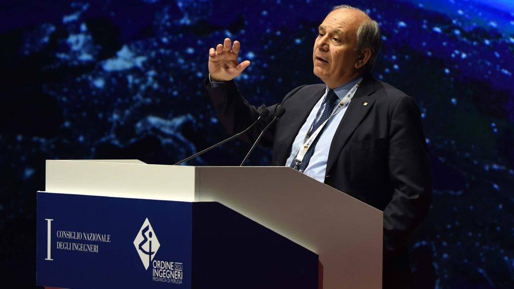 Armando Zambrano, presidente degli ingegneri d'Italia (C) FB Congresso nazionale ingegneri