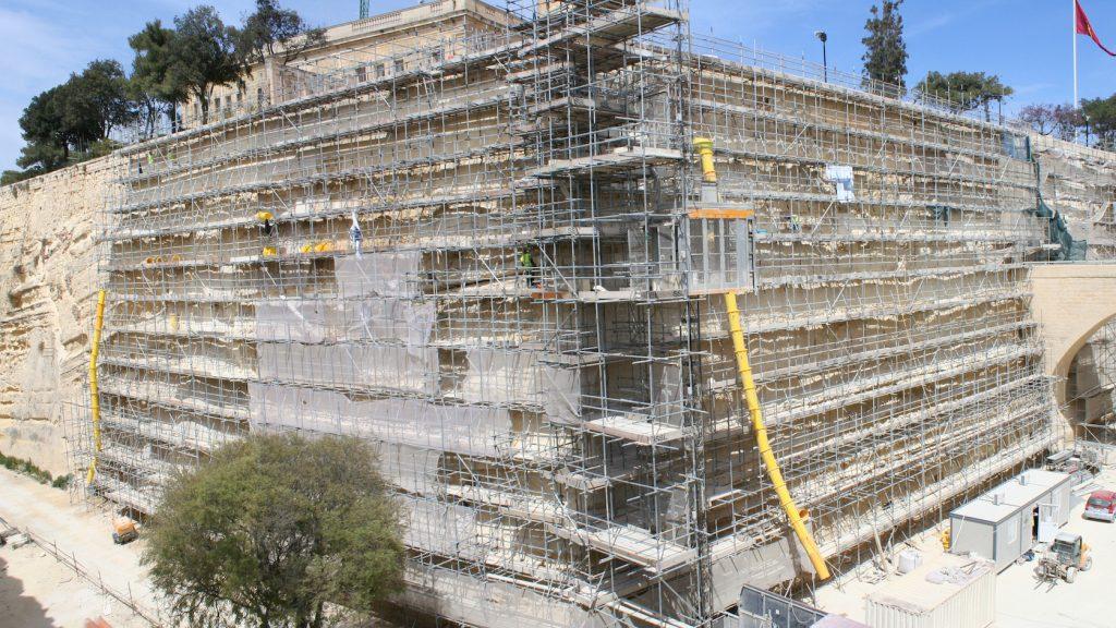 Durante il restauro delle fortificazioni di Valletta Malta © DeFeoRestauri Roma