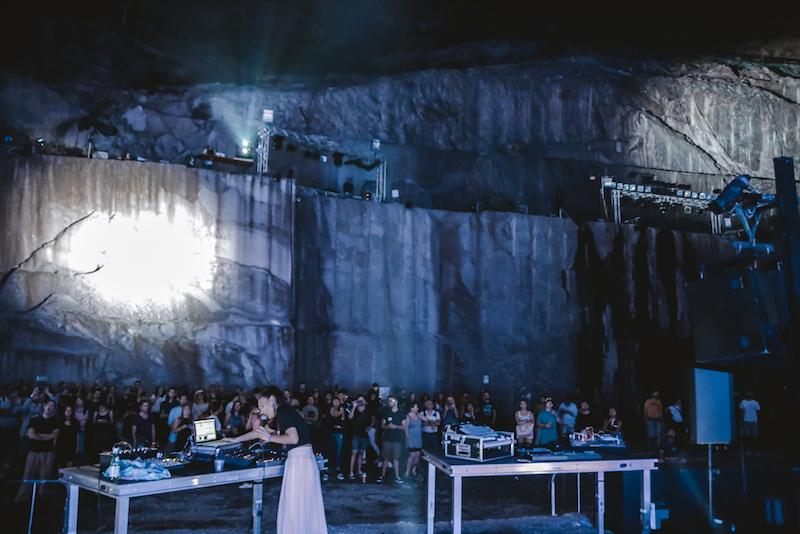 Un esempio di eventi culturali svolti all'interno della cava di Trontano per NeXTones