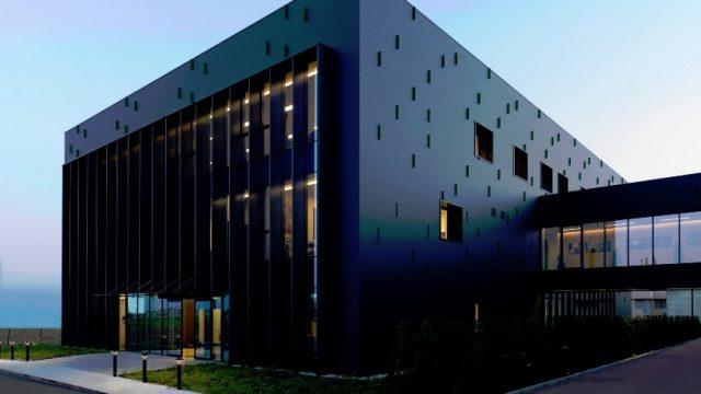 Il Centro di Medicina di Mario Mazzer: un focus sulla facciata in alluminio