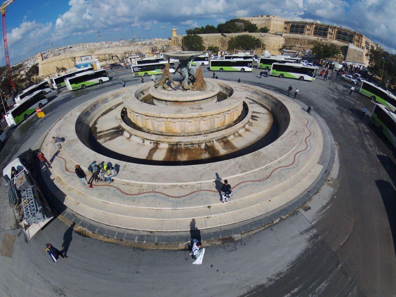 Fortificazioni e la Fontana dei Tritoni a Valletta copyright De Feo restauri
