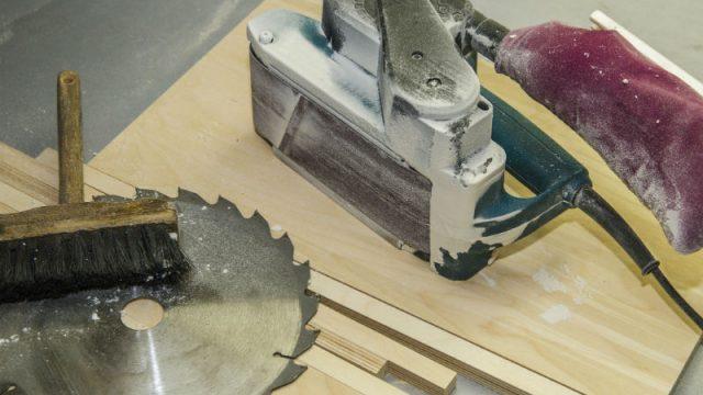 Macchine per il legno e sicurezza: seghe alternative, a nastro e circolari