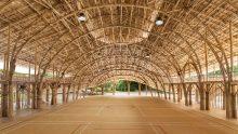 Strutture in bambù: il prefabbricato per lo sport di una scuola buddista in Thailandia