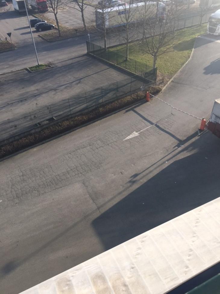 Figura 1- Vista della pavimentazione prima del rifacimento
