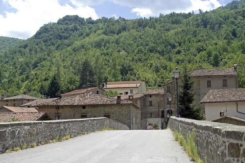Il ponte sul fiume Tronto, in provincia di Ascoli Piceno