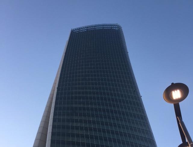 Torre Generali di CityLife a Milano- le immagini del grattacielo quasi completo