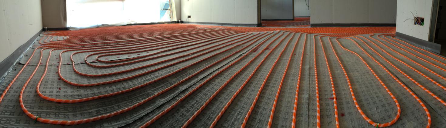 Figura 1. Sistema radiante a pavimento. Fonte: Rehau