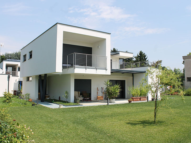 Due case prefabbricate in legno in brianza efficienza for Moderne case a 2 piani
