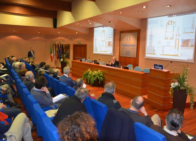 Il relatore Massimo Mariani durante il seminario © Ordine degli Ingegneri della Provincia di Vicenza