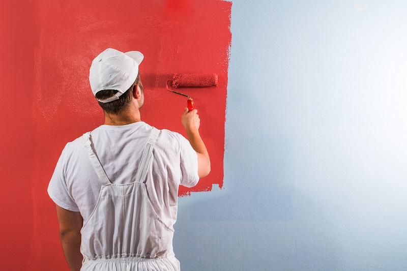 La pitturazione muraria è una delle attività comprese nel pacchetto 'edilizia libera'