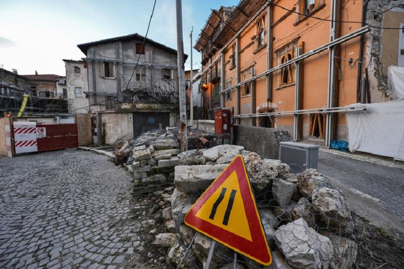 A L'Aquila, città di riferimento del presidente Masciovecchio, e in tutto l'Abruzzo, ci sono ancora i segni del sisma del 2009.