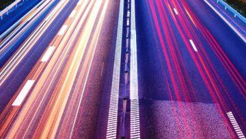 Smart road per smart car: veicoli a guida automatica in sperimentazione