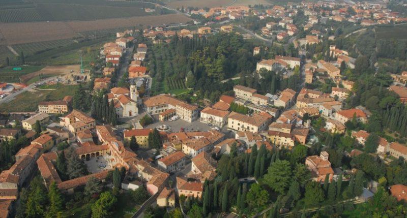 Una vista aerea del Comune di Sona, Copyright Terre del Custoza