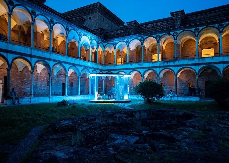 L'interno della Ca' Granda con l'installazione Cells - photo by Edoardo Delille, Courtesy Platek