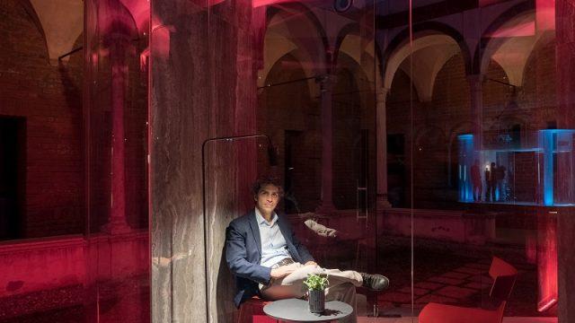 L'architetto Filippo Taidelli all'interno di Cells - photo by Edoardo Delille, Courtesy Platek
