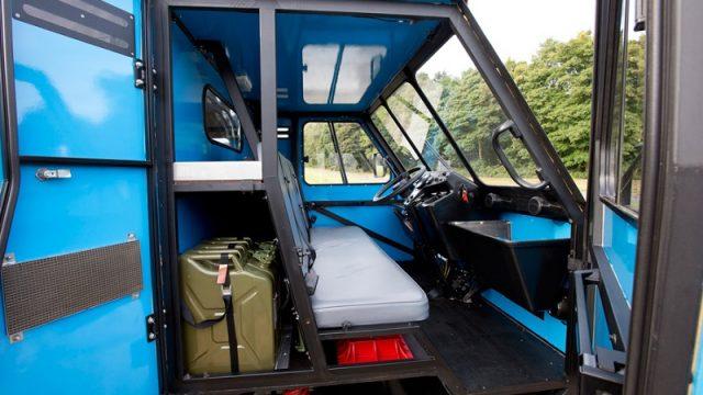 Gli interni del camion OX
