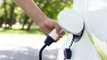 Mobilità elettrica, un mercato a due velocità