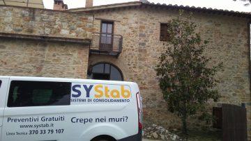 Il consolidamento delle fondazioni con iniezione di resine espandenti di un casale in provincia di Siena