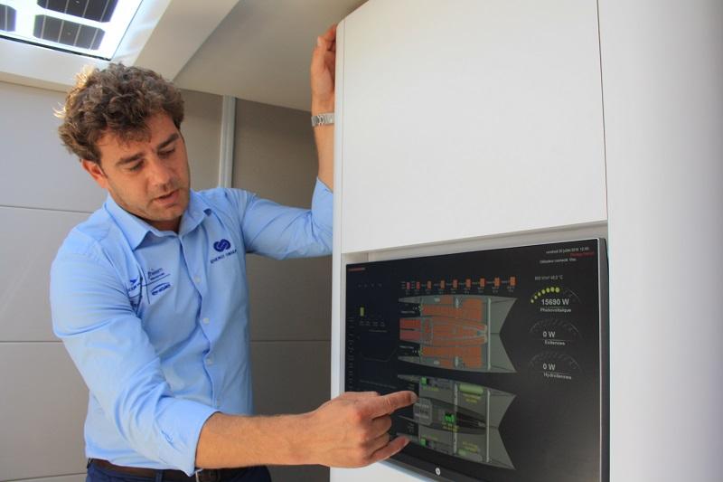 Marin Jarry spiega le modalità di monitoraggio dello stoccaggio energetico sull'Energy Observer