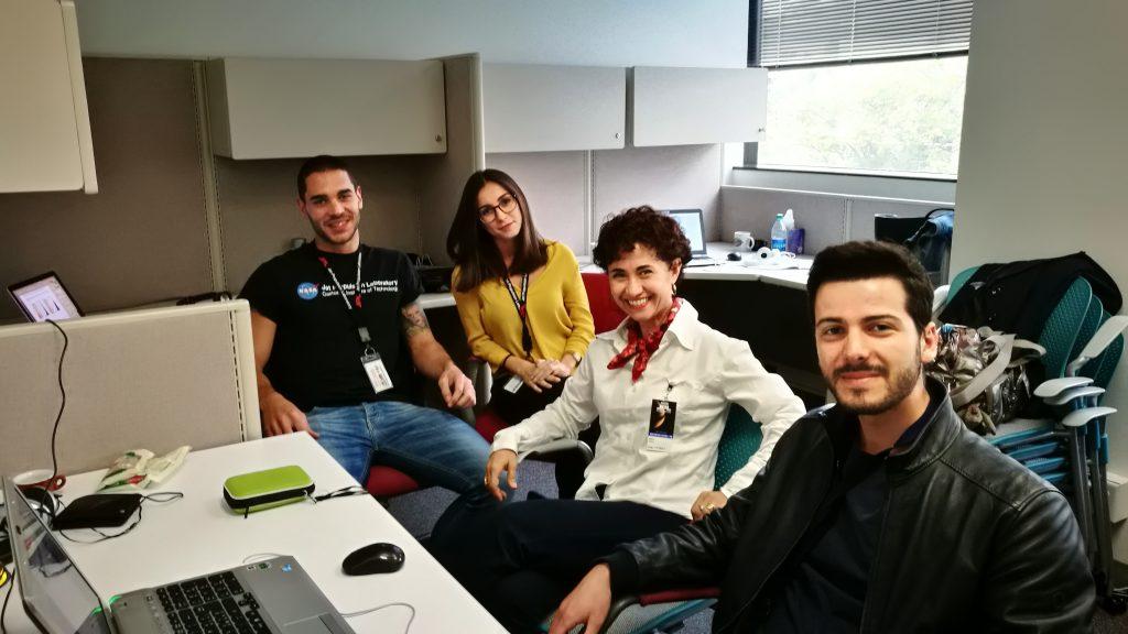 La professoressa Porcu e i tre tesisti (in primo piano Christian Sarritzu, sul fondo Milena Scano e Matteo Arricca)