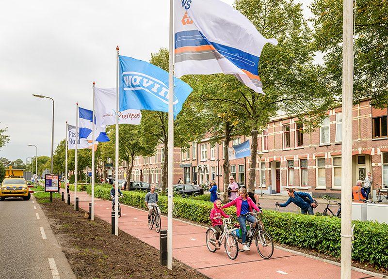A Zwolle, nei Paesi Bassi, è stata inaugurata la prima pista ciclabile in plastica riciclata: PlasticRoad. KWS, Wavin e Total, hanno unito le loro conoscenze, esperienze e risorse per costruire la prima strada realizzata in plastica riciclata al 100% – Ph: Arnold Reyneveld
