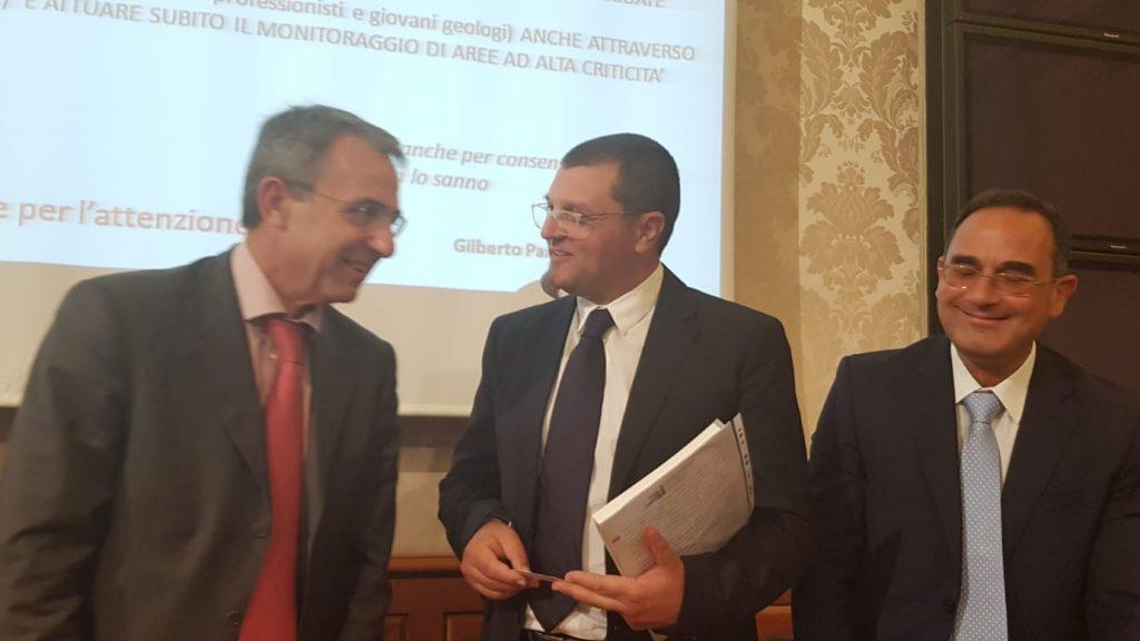 Ministro dell'Ambiente, Sergio Costa insieme ai geologi Antonello Fiore e Vincent Ottaviani
