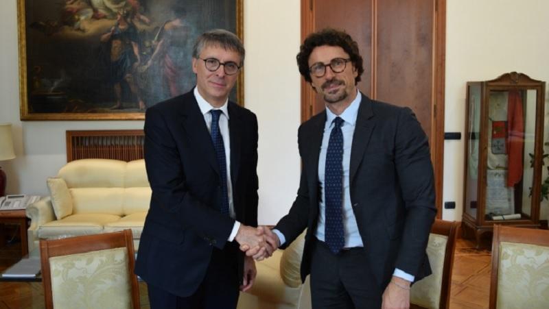 Il presidente dell'Anac Raffaele Cantone e il Ministro per le Infrastrutture e Trasporti Danilo Toninelli (Fonte mit.gov.it)