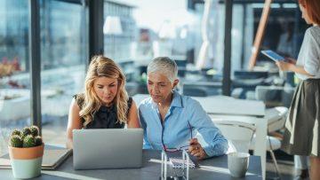 Donne professioniste lontane dai vertici di società private e Pubblica Amministrazione