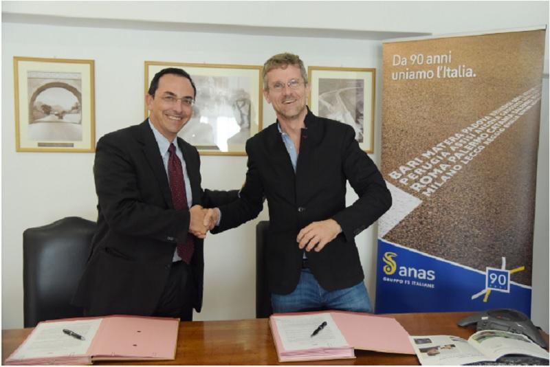 Gianni Vittorio Ratti e Carlo Armani firmano l'accordo tra Anas e Mit di Boston