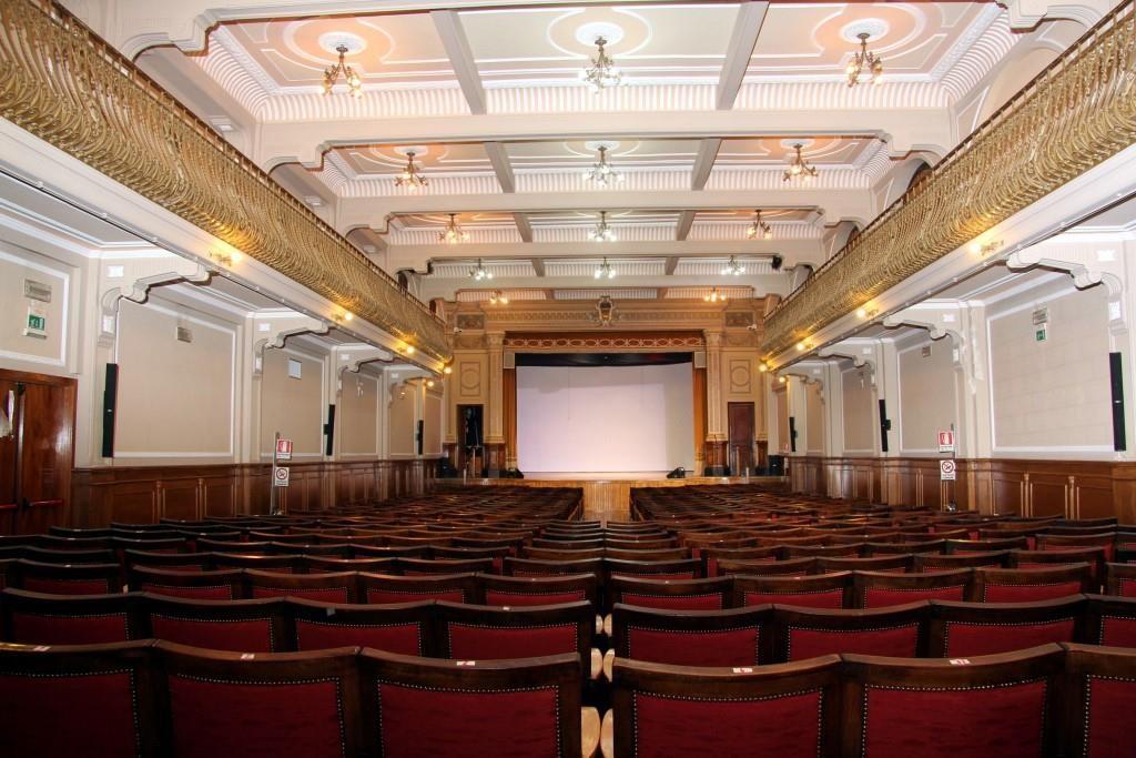 Figura 1. Esempio di teatro inserito in edificioi tutelato