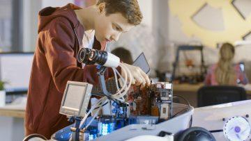 Studi professionali, dal 2019 pronti a sperimentare l'alternanza scuola-lavoro