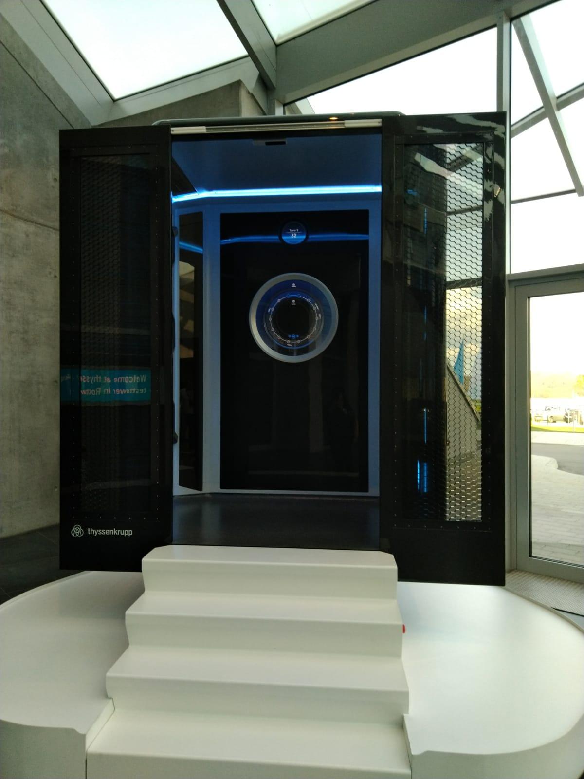 Figura 2 - Prototipo della cabina ascensore Multi in scala 1:1