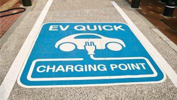 Pit stop elettrico in autostrada: la strategia dell'Anas